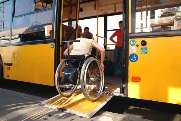 Переваги великих низькопідлогових автобусів