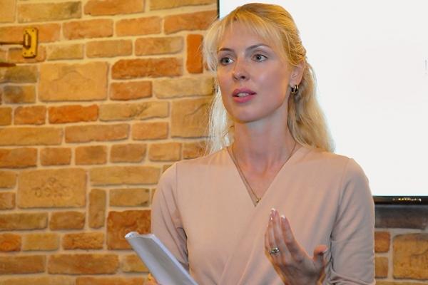 Ружена Волянська: «Невже ми вчергове стали заручниками глобального бізнес-проекту, ціна якого — життя тисяч людей?..»