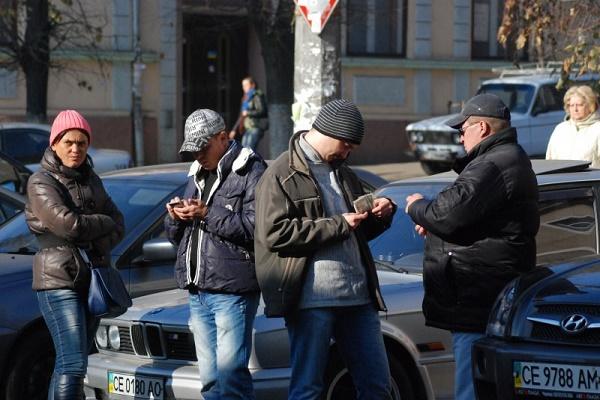 Чорні міняйли здають клієнтів грабіжникам