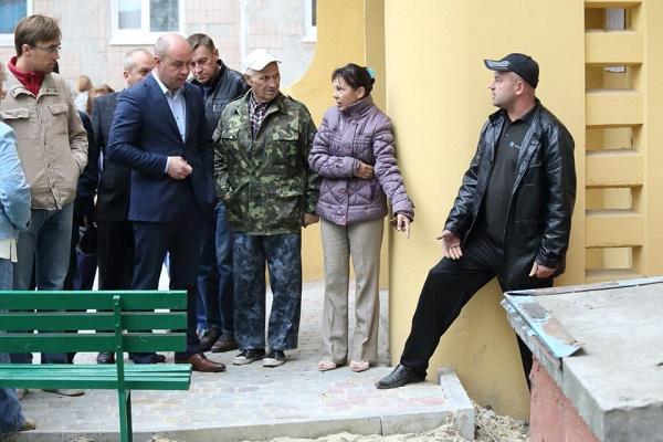 Мерія Тернополя каратиме штрафами підрядників за неякісну бруківку