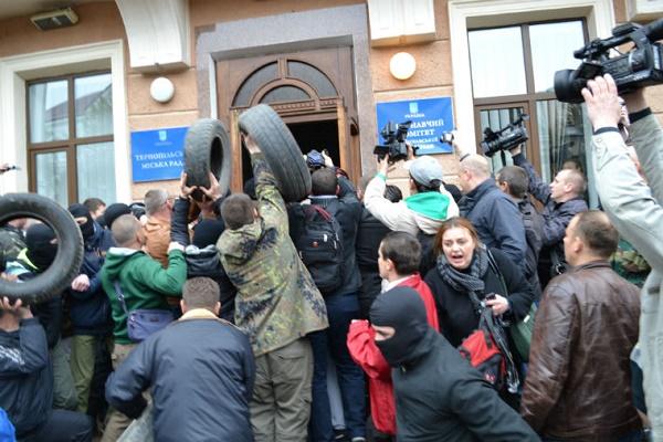 Чи повториться штурм міської ради Тернополя 24 лютого?