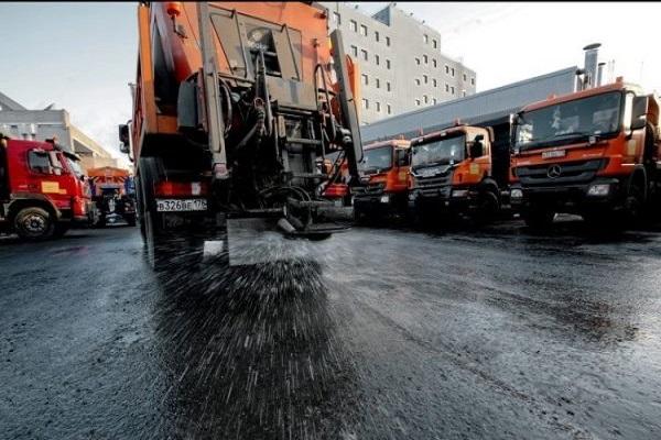 Зима закінчилася, а комунальники придбали техніки на 300 тисяч євро