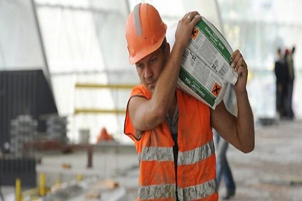 Податківці чекають на декларації заробітчан до 1 травня
