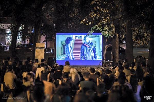 Завтра в Тернополі стартує сезон «вуличного» кіно