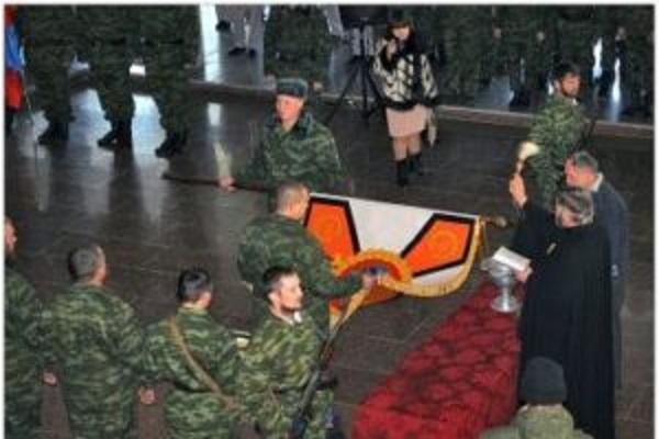 Тернопілля відвідав архієпископ УПЦ МП, який освячував бойові прапори терористів (фото)