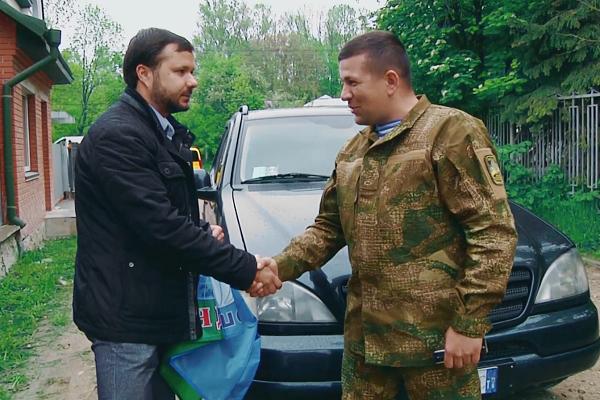 Напередодні Дня Героїв Ігор Гуда передав автомобіль для АТО