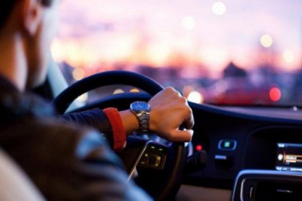 Депутати пропонують підвищити штрафи за водіння без прав