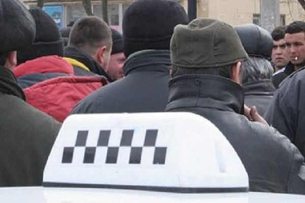 Коли в Тернополі нарешті розженуть банду таксистів із залізничного вокзалу?
