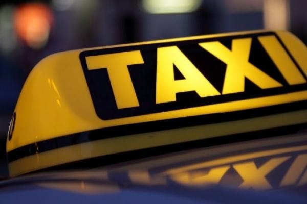 У Тернополі таксист їздив з документами покійника