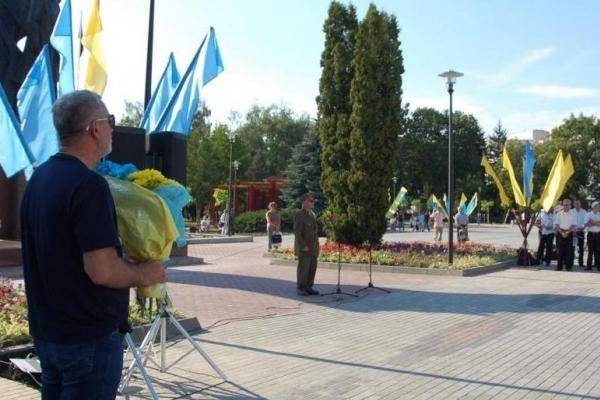 У Тернополі на зекономлені кошти на ремонті площі Бандери створять Сквер волонтерів