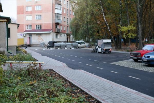 На Східному у Тернополі відремонтували ще один двір