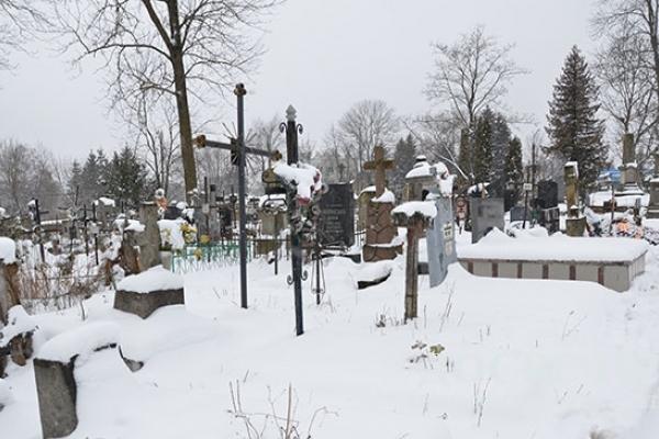 В Тернополі таки затримали цвинтарних вандалів (Фото)