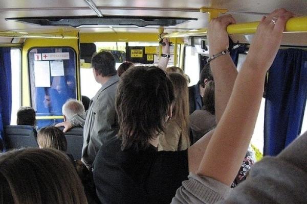 Пільговики Тернопільщини можуть отримувати «гроші на руки» для оплати проїзду в гродському транспорті