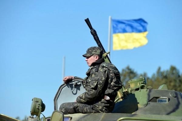 Українським військовим підвищать зарплати: названо термін і суму