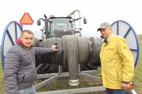 На Тернопільщині впровадили сучасний метод внесення органіки в ґрунт