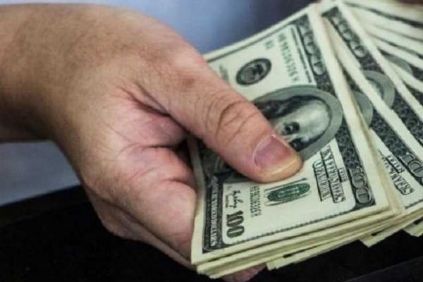 Курс долара в Україні: що зміниться у вересні