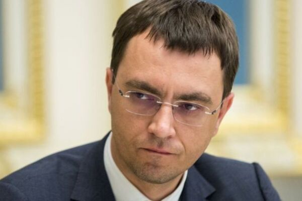 Зарплати вчителям по 4000 доларів-2: Міністр інфраструктури Омелян з калькулятором в руках присоромив президента України