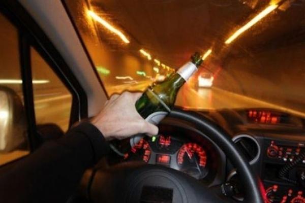 Нічним Тернополем продовжує гасати зубожіле п'яне бидло на дорогих іномарках (Фото)