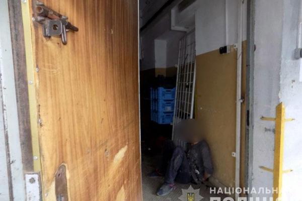 У центрі Тернополя грабували магазин: поліція сказала, на чому «проколовся» злодій (Відео)