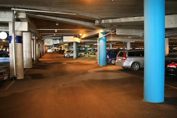 Тернополяни хочуть підземний паркінг під Універмагом