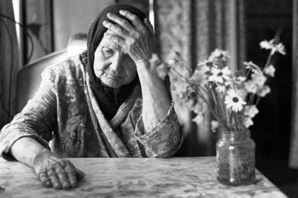 У Тернополі одинокі тернополяни можуть отримати допомогу