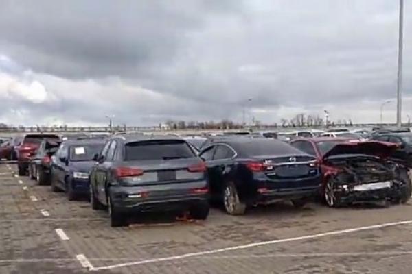 В Україну стали масово завозити биті авто зі США (Відео)
